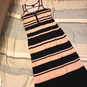 Maxi dress tan and black stripes